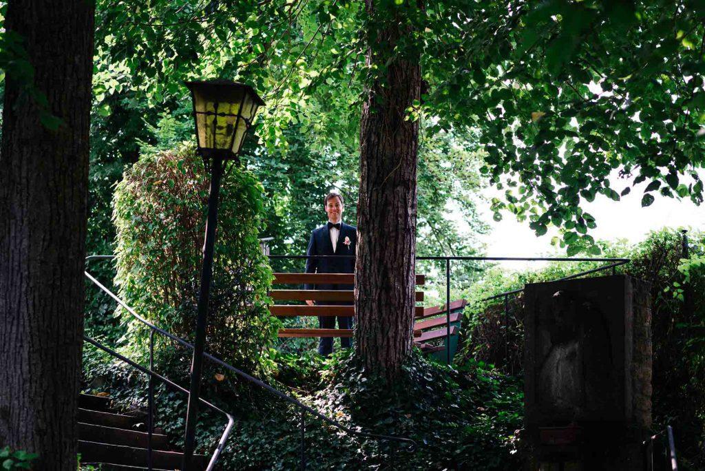 Der wartende Bräutigam.