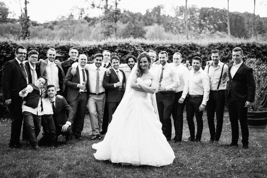 Die Braut und ihre Mädels.
