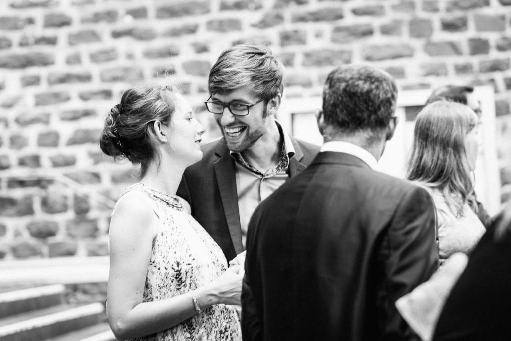 Glückliche Hochzeitsgäste.