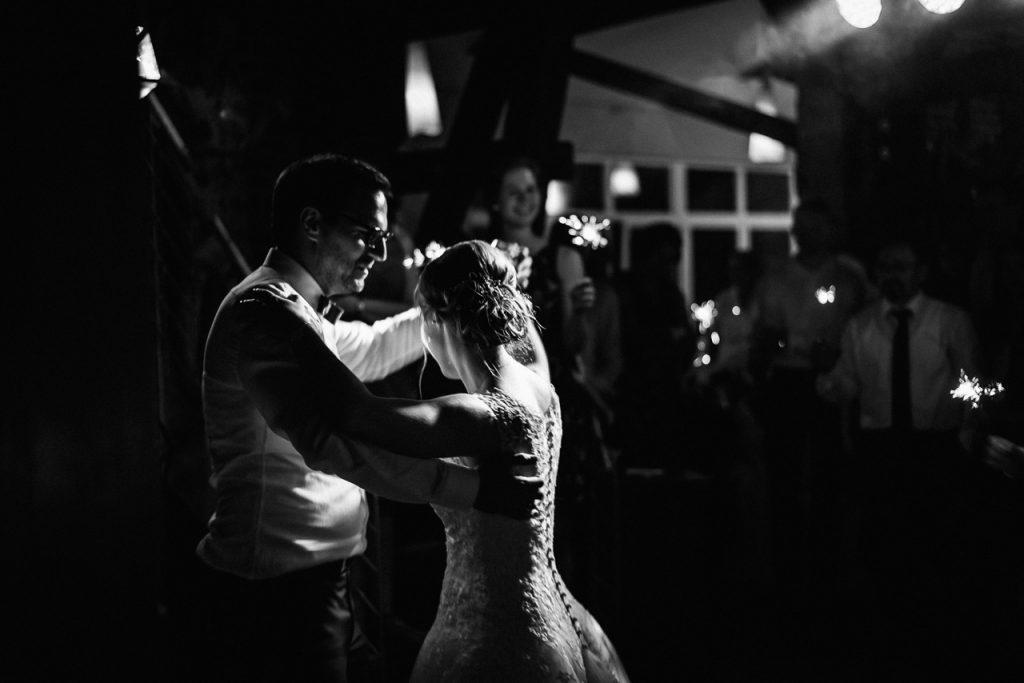 Der Brautpaar beim Tanz.