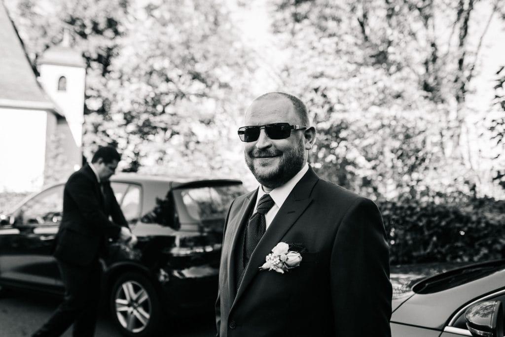 Ein strahlender Bräutigam.