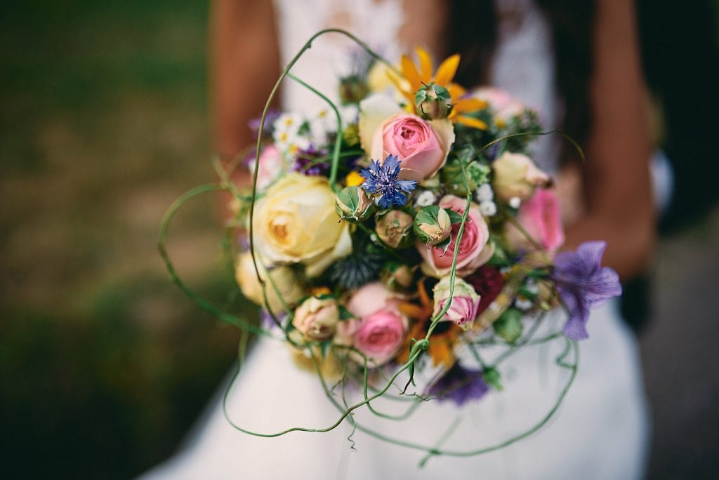 Der Brautstrauß der Braut.